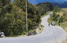 Begini Penampakan Personel TNI dan Polri saat Baku Tembak dengan KKB di Papua - JPNN.com
