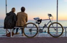 5 Sikap Kepedulian Pria Pada Pasangannya - JPNN.com