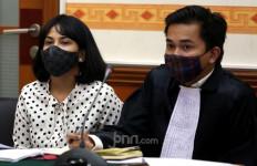 Beda Keterangan dengan Mantan Pengacara Soal Pil Xanax, Vanessa Angel Bilang Begini - JPNN.com