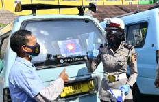 Polwan Korlantas Polri Ramai-Ramai Turun ke Jalan, Lihat yang Mereka Lakukan - JPNN.com