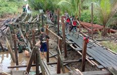 Warga Kotim Apresiasi Bantuan TNI Melalui Program TMMD - JPNN.com