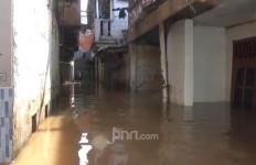 Sebagian Warga Jakarta Masih Kebanjiran Pagi Ini, Ada 34 Titik - JPNN.com