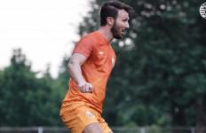Lihat, Marco Motta Latihan Bersama Persija - JPNN.com