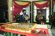 Ada Kejutan Spesial dari Jenderal Idham Azis, Panglima TNI Terharu - JPNN.com