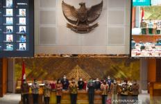 UU Ciptaker Masih Singgung Perizinan Sektor Pendidikan - JPNN.com
