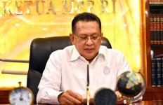 Bamsoet Salurkan Bantuan untuk Warga Dua Desa di Lampung - JPNN.com