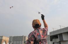 Kemendes PDTT Pecahkan Rekor Terbangkan Layang-Layang Batik - JPNN.com