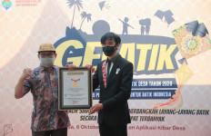 Terbangkan Layang-layang Batik, Kemendes PDTT Pecahkan Rekor Dunia - JPNN.com
