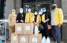 Sejumlah Puskesmas DKI Jakarta Terima Bantuan APD - JPNN.com