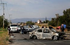 Ngeri! 10 Mayat Pria dan 2 Wanita Ditemukan di Mobil - JPNN.com