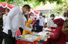 44 Ribu Keluarga di Surabaya Nikmati Beras Medium Bantuan Kemensos - JPNN.com