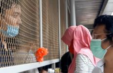 Soal Wartawan Kawan Lama Adian Ditangkap Polisi saat Liputan, Ribka Tjiptaning: Sedih Aku Lihatnya - JPNN.com