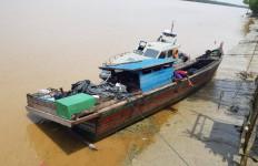 Bea Cukai Dumai Amankan Barang Ilegal dari Malaysia, Kapalnya Nahas - JPNN.com