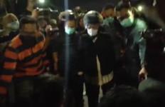 Jogoboyo: Hati Arek-arek Suroboyo Menangis Melihat Aksi Bu Risma - JPNN.com