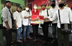 Kemensos Salurkan 1.000 Paket Sembako untuk Warga Terdampak Pandemi Covid-19 di Klaten - JPNN.com