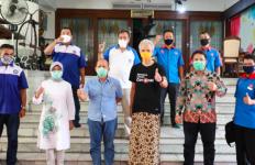Para Buruh Bertamu di Rumah Pak Ganjar, Curhat soal UU Cipta Kerja - JPNN.com