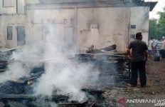 Usai Padamkan Api, Petugas Temukan Dua Mahasiswi sudah Meninggal Dunia - JPNN.com