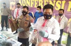 Polisi Disekap Pedemo, Dianiaya, Dihajar Sekop dan Batu - JPNN.com