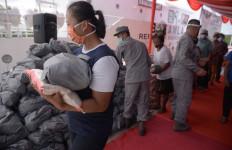 Bakamla RI Serahkan Bansos Kepada Masyarakat Pesisir di Perbatasan Indonesia - Filipina - JPNN.com