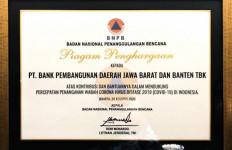 Berperan Aktif Bantu Penanganan COVID-19, Bank BJB Raih Penghargaan dari BNPB - JPNN.com