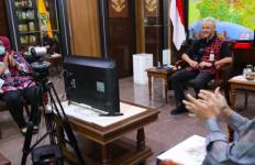 Bikin Terharu, Pak Ganjar Buat Sekolah Virtual untuk Anak-anak yang Putus Sekolah - JPNN.com