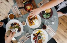 Jangan Kalap! Hindari Konsumsi 5 Jenis Makanan Tidak Sehat ini Saat Merayakan Tahun Baru - JPNN.com
