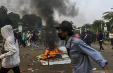Massa FPI dkk Tak Bisa Mendekati Istana, Kapolda Jamin Keamanan Ibu Kota - JPNN.com