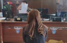 Putri Aulia sudah Tak Tahan Lagi: Tolong, Pak Polisi Segera Tangkap Suami Saya - JPNN.com