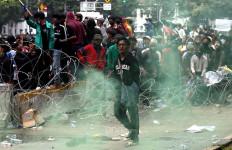 Percakapan di Grup WA KAMI: Besok Wajib Bawa Bom Molotov - JPNN.com