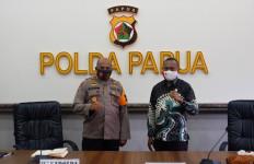Kunjungi Polda Papua, Yan Mandenas Soroti Kasus Penembakan di Intan Jaya dan Nduga - JPNN.com