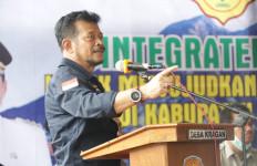 Kunjungi Karanganyar, Mentan SYL Beri Panduan Cara Baru dalam Bertani - JPNN.com