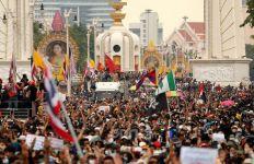 Demonstran Kepung Kantor Perdana Menteri, Pemerintah Thailand Terbitkan Dekret Darurat - JPNN.com