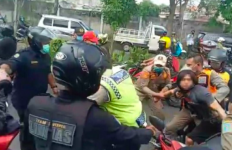 Viral! Video Satpol PP Ciduk Paksa Warga saat Operasi Protokol Kesehatan, Ternyata ini yang Terjadi.. - JPNN.com