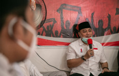 Eri Cahyadi Bakal Sediakan Guru Les Berkualitas di Balai RW - JPNN.com