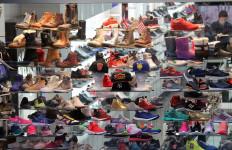 4 Trik Memilih Sepatu yang Nyaman di Kaki - JPNN.com