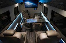 Keren, Ruang Kabin Mobil Disulap jadi Kantor Mewah yang Bisa Berjalan - JPNN.com