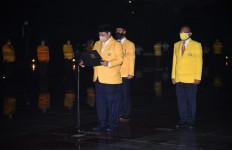 Malam-Malam, Sejumlah Pengurus Golkar ke TMP Kalibata - JPNN.com