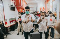 Dari Makam ke Mbah Cikrak, Asyiknya Eri-Armuji Eksplorasi Surabaya Bareng Milenial - JPNN.com