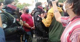 Muncul di Polda Metro Jaya, John Kei Bicara soal Kasusnya dan Uang Rp 1 M jadi Rp 2 M