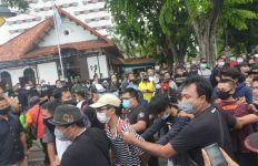 Pedemo di Surabaya Siap Rusuh, Siapkan Bom Molotov - JPNN.com
