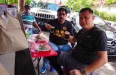 Motivator ini Kaget Lihat Cak Machfud Makan di Warung Pinggir Jalan - JPNN.com