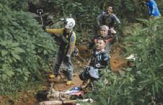 Sempat Terjatuh Saat Tunggangi Motor Trail, Judika: Kaki Gue Gantung - JPNN.com