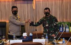 Kapuspen TNI: Sinergisitas TNI-Polri Jangan Diragukan Lagi - JPNN.com