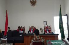 Bupati Solok Selatan Nonaktif Muzni Zakaria Divonis 4 Tahun Penjara - JPNN.com