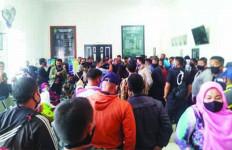 Mencekam, Puluhan Sekuriti Pelindo II Berteriak di PN Padang, Seorang Perempuan Pingsan - JPNN.com