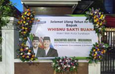 Ada Karangan Bunga Machfud Arifin di Pelataran Rumah Whisnu Sakti Buana - JPNN.com