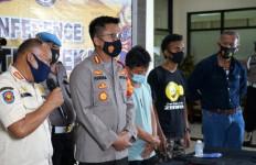 Dugaan Satpol PP Kabupaten Bekasi soal Kelakuan Pembuang Sampah di Kalimalang - JPNN.com