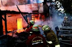 5 Rumah di Kelapa Gading Gosong, Ada Korban Jiwa - JPNN.com