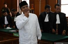 Penyidik Bareskrim jadi Imam Salat Berjemaah, Gus Nur Makmum - JPNN.com
