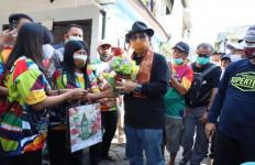 Blusukan ke Kelurahan Putat Jaya, Cak Machfud Serap Aspirasi Warga - JPNN.com